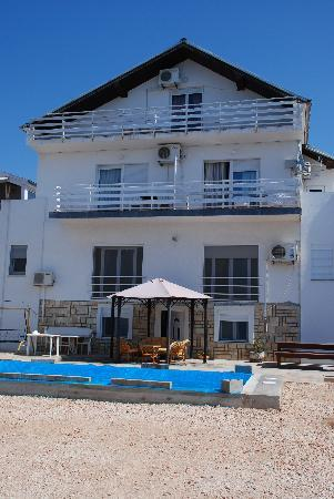 Back of Villa Triana & pool (looks onto Mediterranean) - Picture of ...
