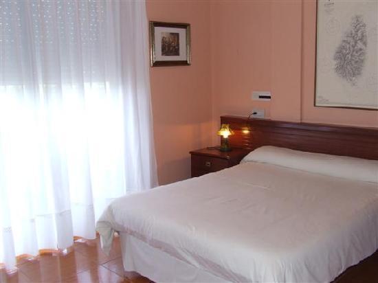 Hotel Brisamar: Habitación matrimonial