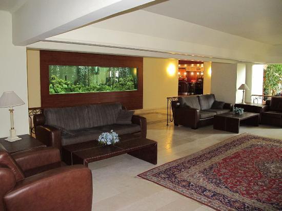 SENTIDO Perissia : The lounge area