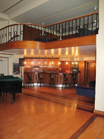 SENTIDO Perissia: The piano bar