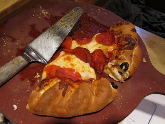 Beau Jo's Mountain Bistro: 8in Pizza