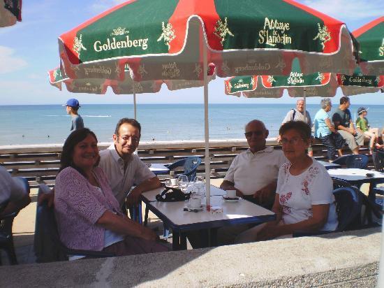 Hotel de la Mer : La terrasse en été