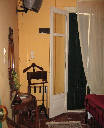 Atheaton Traditional Guesthouse: our room with balcony and antique furniture