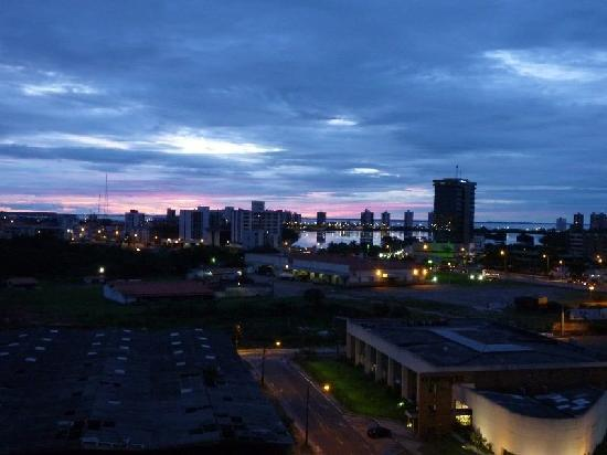 Mercure Apartments Sao Luis Mont Blanc: ...und bei Sonnenuntergang