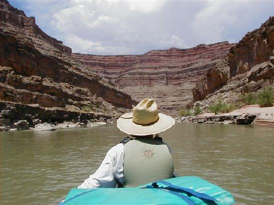 Moab Rafting and Canoe Company - Day Tour: Boating on the San Juan River with Moab Rafting and Canoe Company