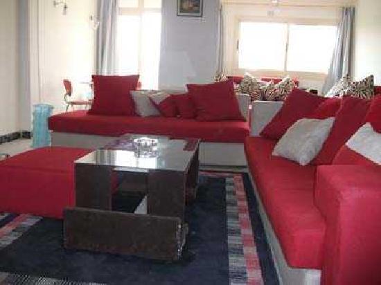 بيراميدز فيو ان: living room