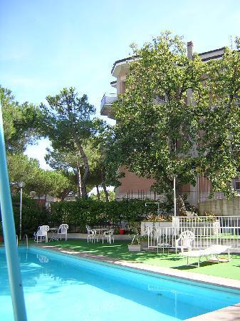 Hotel Santa Chiara: piscina