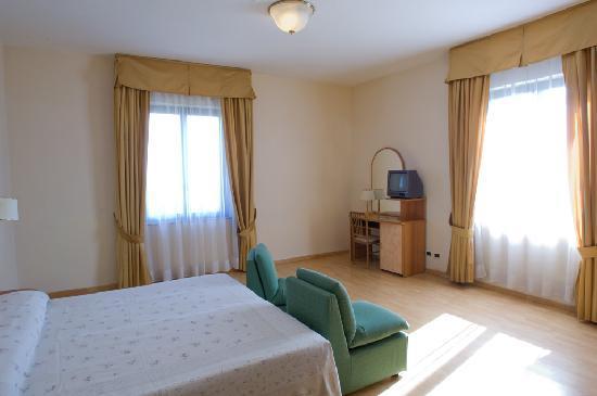 Hotel Santa Chiara: camera