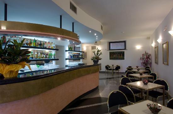 Hotel Santa Chiara: bar