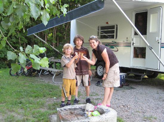Camping Chalets Juneau: Site de camping