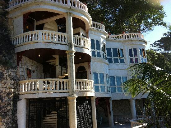 The Palace at Playa Grande: These are special suites facing the ocean