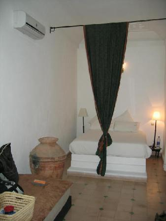 Riad Noor Charana: Ground floor room