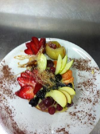 GREEN BAR : crostatina di frutta fresca con zucchero caramellato