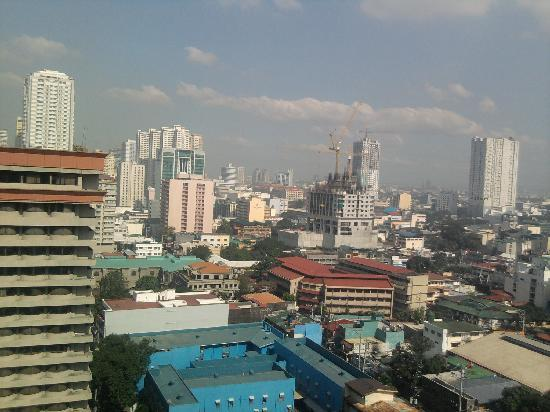 Baywatch Tower Manila: From the balcony looking towards Metro Manila