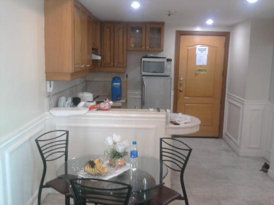 Baywatch Tower Manila: Is a view of our kitchen