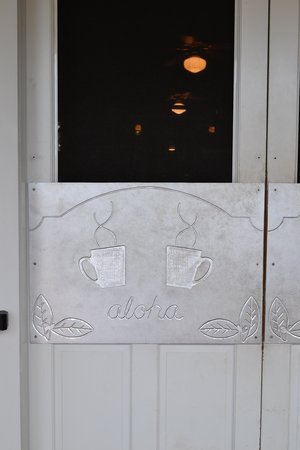Kalaheo Cafe & Coffee Company: love the doors
