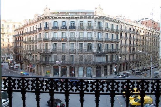 Hostal Eixample: Balcony view