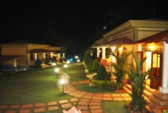 Vagator, Indien: Night view of the resort
