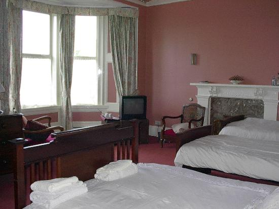 The Old Manse Bed and Breakfast: Family Bedroom