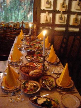 Brest, Biélorussie : Restaurant Y ozera ( in a park )