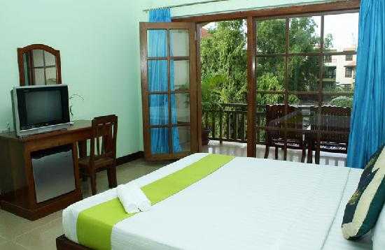 Mekong Central Hotel: double balcony ensuite