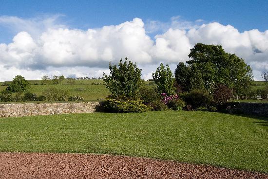 Lee Farm: garden