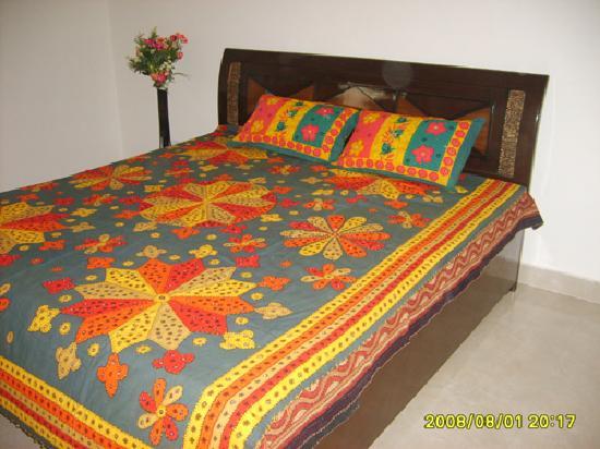Anubhav Holiday Home : Bedroom1