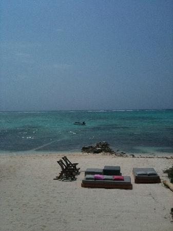 Hotel Jashita: right to the beach