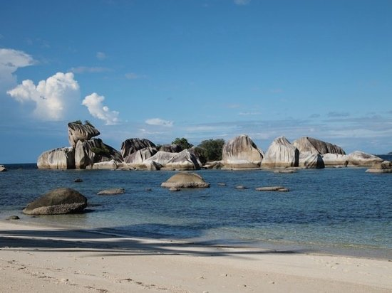 pulau kepala burung,belitung island