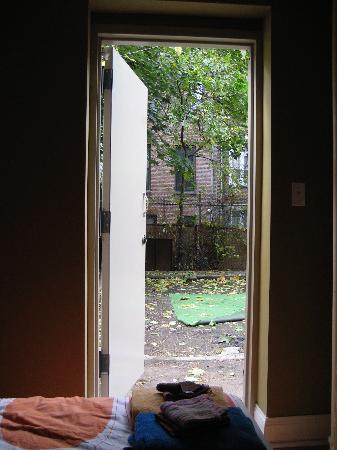 Harlem Bed and Breakfast : From the bedroom door