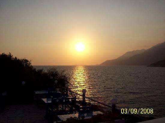 Korsan Ada Hotel: прекрасный одых и вид вечером на закате