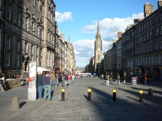 Aaron Lodge: a sunny Royal Mile