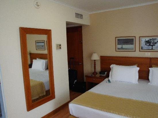 Hotel Porton Medellin: Hotel Room