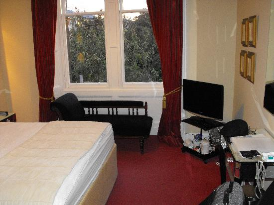 Ardmor House: Bedroom - View 2