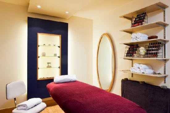Holiday Inn Aylesbury: Treat yourself to a beauty treatment