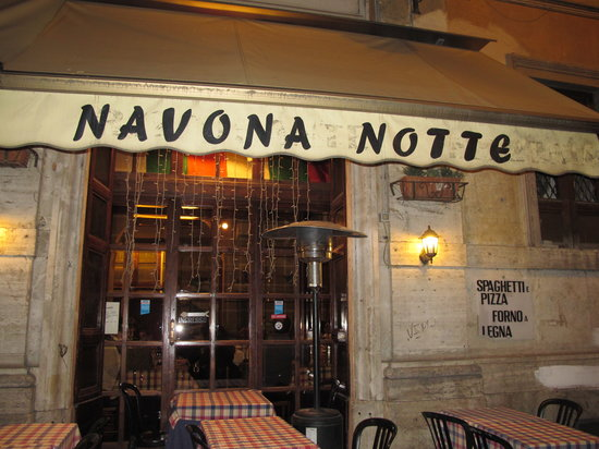 Navona Notte: the front of the restaurant - we eat inside