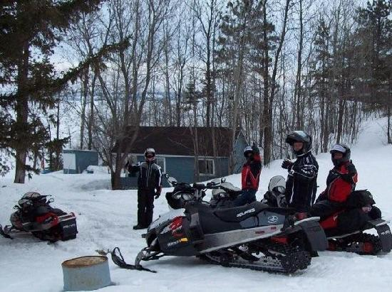 Edgewater Motel and Campground: Perfect snowmobile location