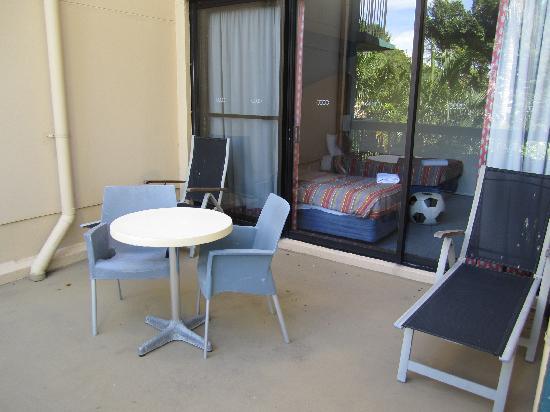 Paradise Resort Gold Coast: Resort Family Room big balcony off bedroom