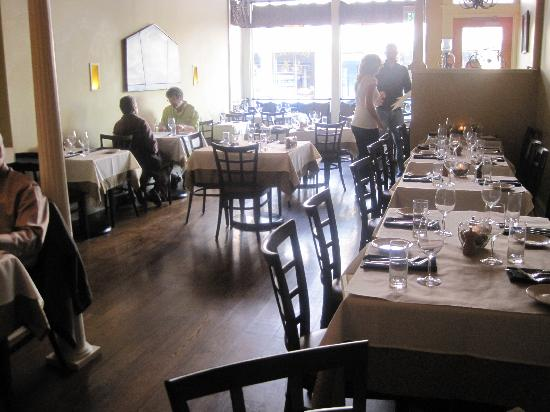 Rustica: Dinning Area