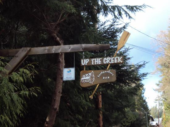 Up The Creek Backpackers B&B: Watch for the sign!