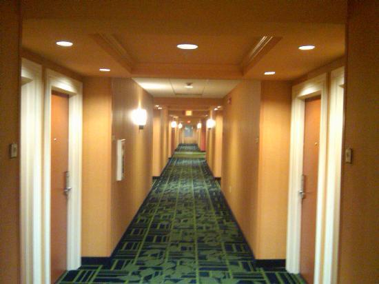 Tehachapi, CA: Hotel Hallway