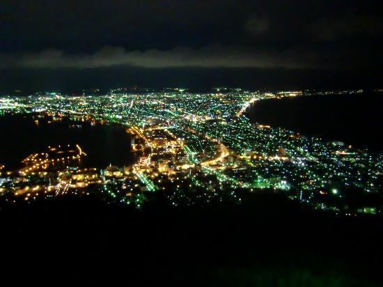 【地域別】おすすめの車のオイル交換が安い店|福岡/大阪/東京