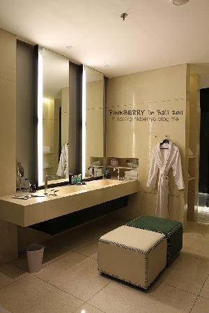 W one bedroom pooll villa, bathroom