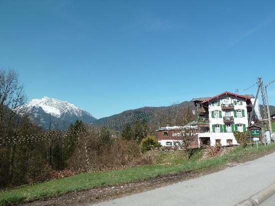 Hoher Göll Hotel: View from the road