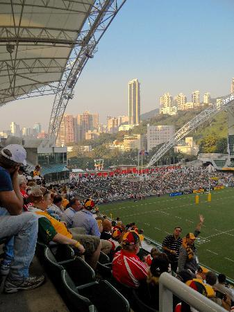 Hong Kong Stadium: The fans take their seats