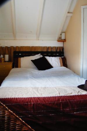 Myrtle House Holiday Accomodation: Bedroom