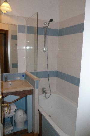 Pierre & Vacances Residence La Résidence du Golf : Salle de bain
