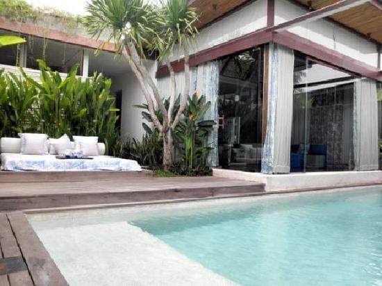 Kiss Bali: Impiana 2