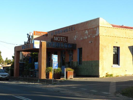 Castlemaine, Australia: Front of hotel/motel