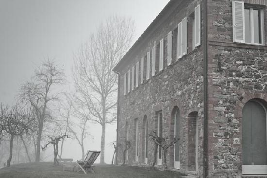 Siena House: A foggy winter morning